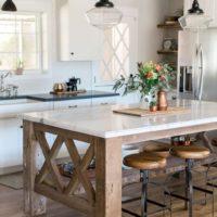 Virtuve ar RUSTIC elementiem